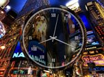 New York Clock Screensaver - Windows 10 Analog Clock Screensaver - Screenshot 2